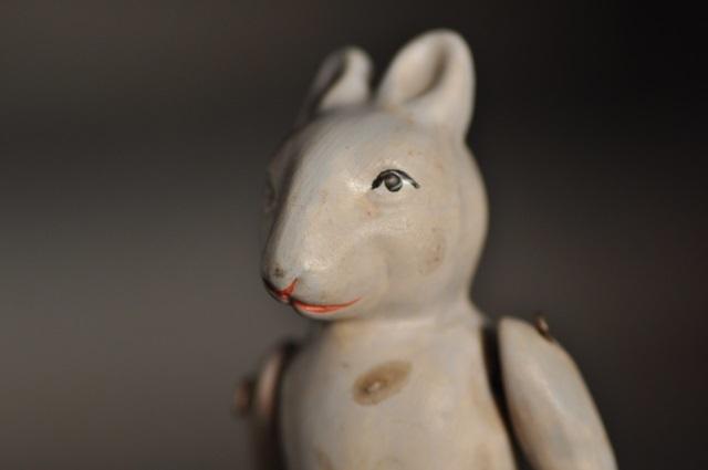 ウサギのビスクドール