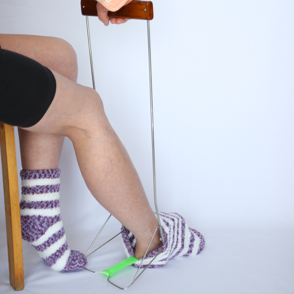 腰痛でお悩みの方へ!「はきやす」スタンダードタイプ(腰を曲げずに靴下が簡単に履けます!)