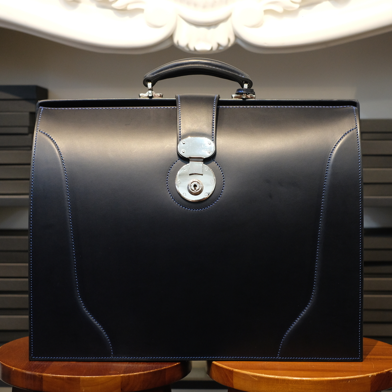 ル・ボナー 太マチダレスバッグ(3マチダレス)クラシック錠前 ネイビー