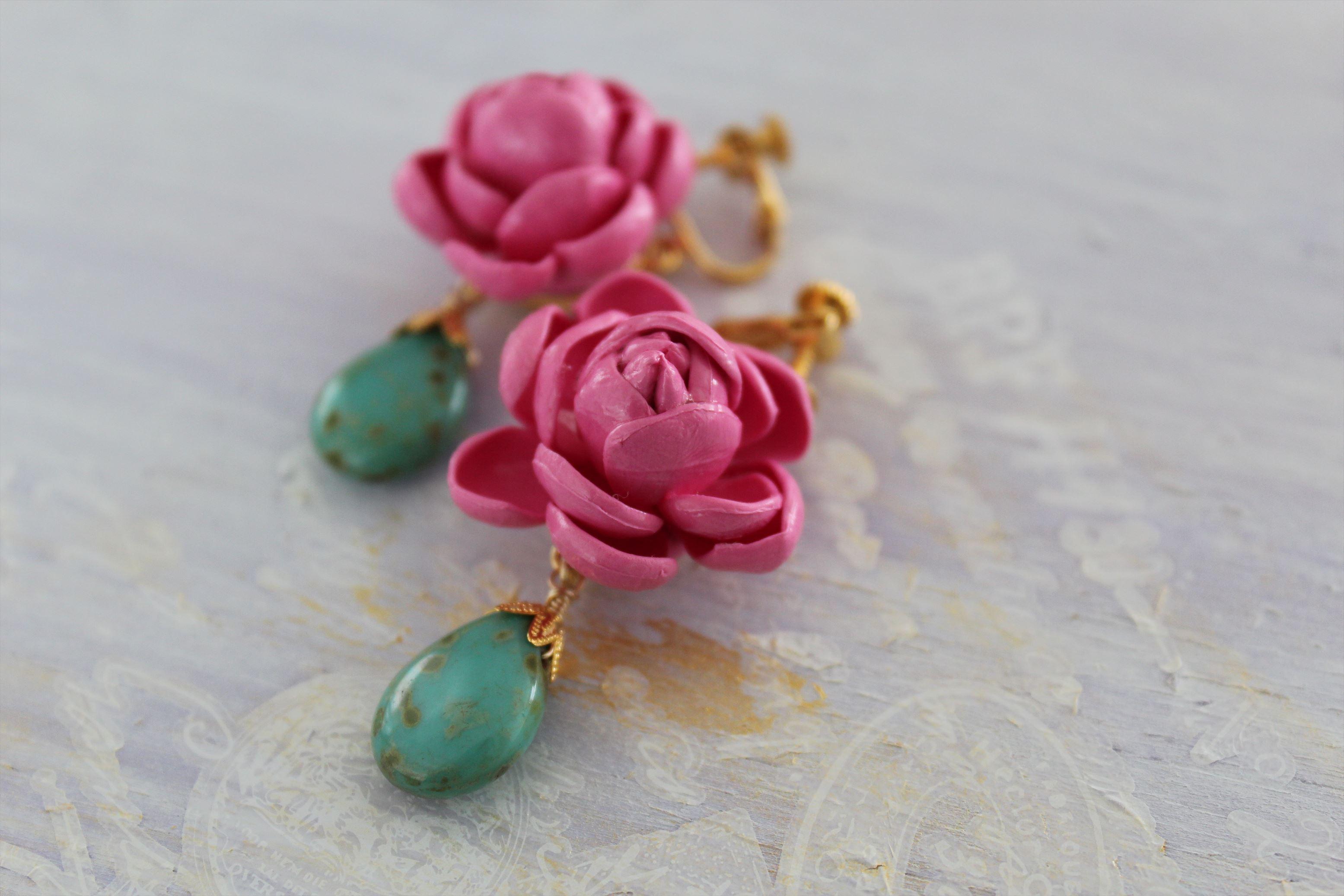 ピンクの薔薇のイヤリング
