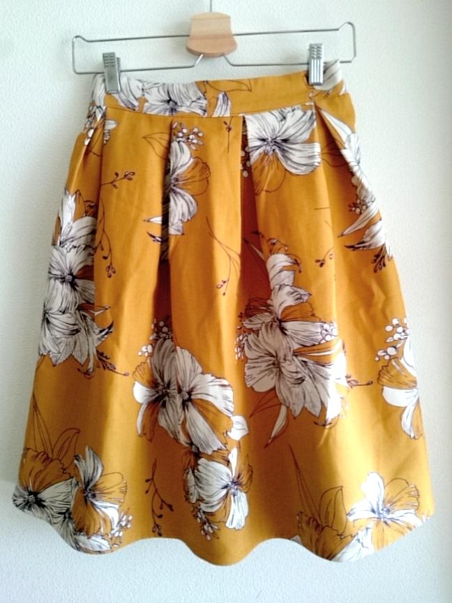 再再入荷★カラシ色のオトナ花柄スカート