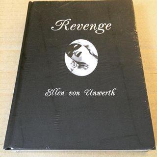 写真集「Revenge/Ellen Von Unwerth」 - 画像1