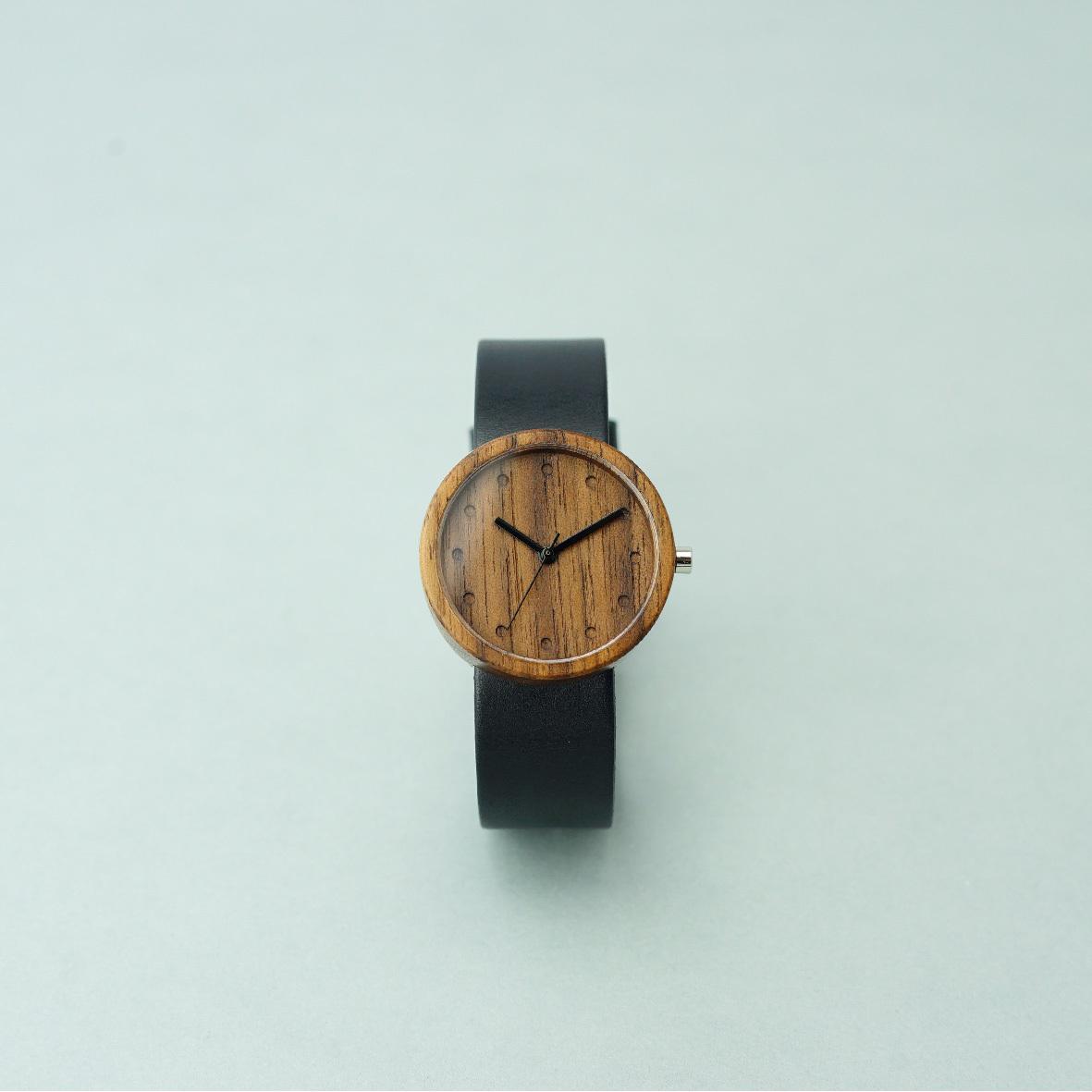Walnut wood - Black - M