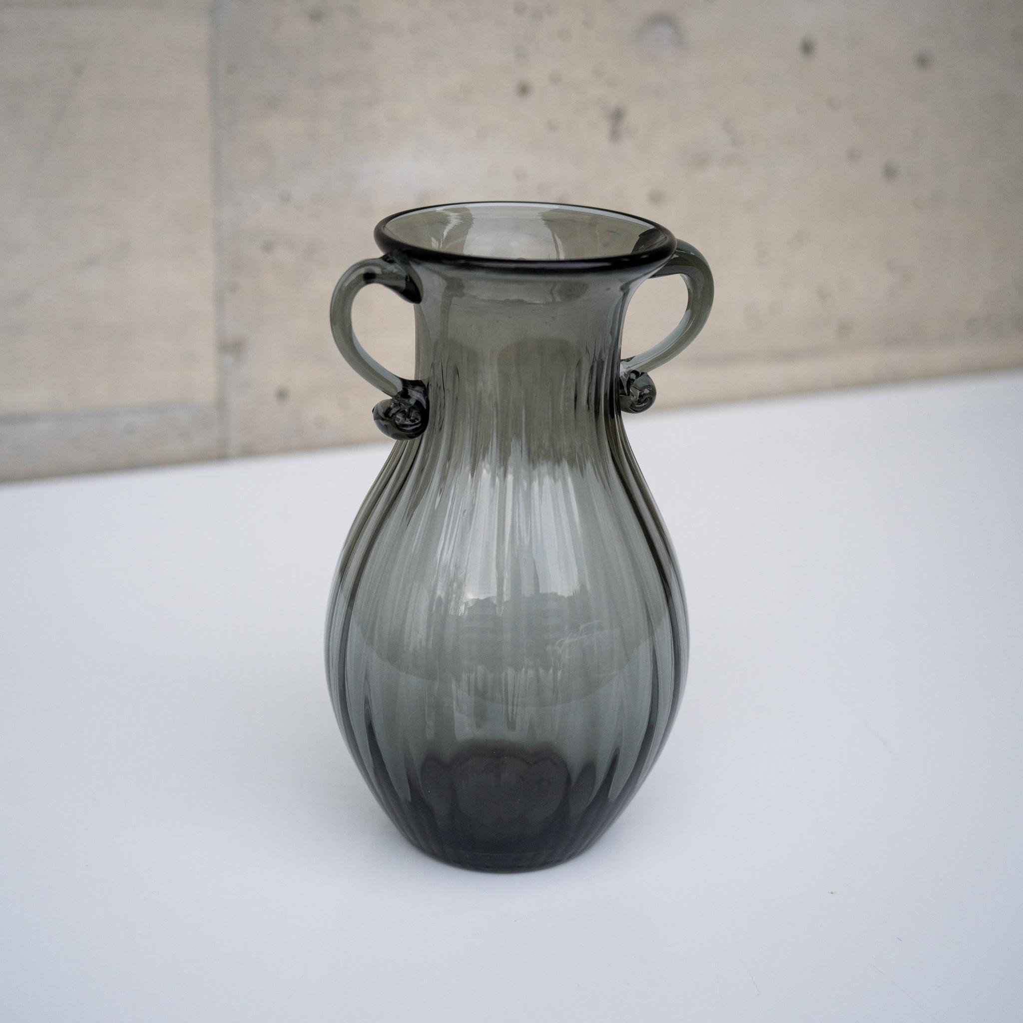 ミレナグレーガラス フラワーベース