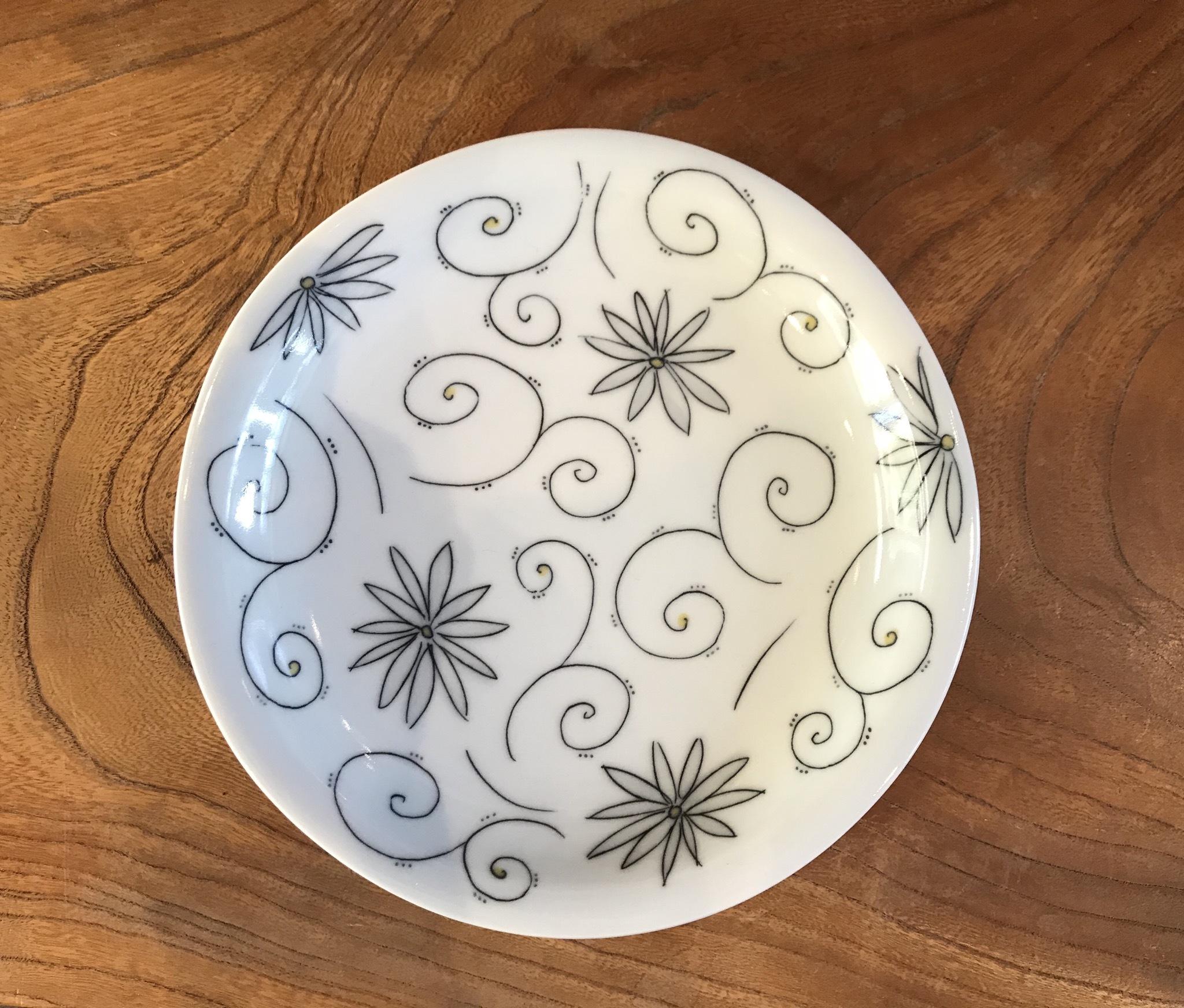 砥部焼 陶彩窯 象嵌のお皿
