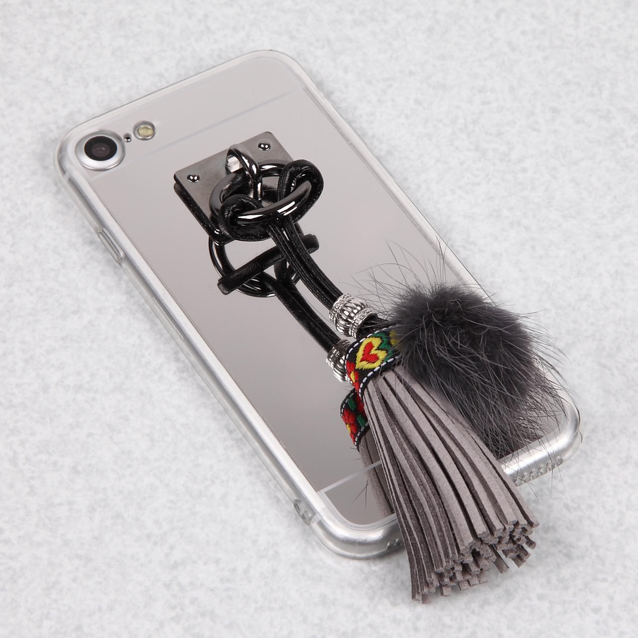 【送料無料】ミラーソフトケースにかわいいファー&タッセル iPhoneケース