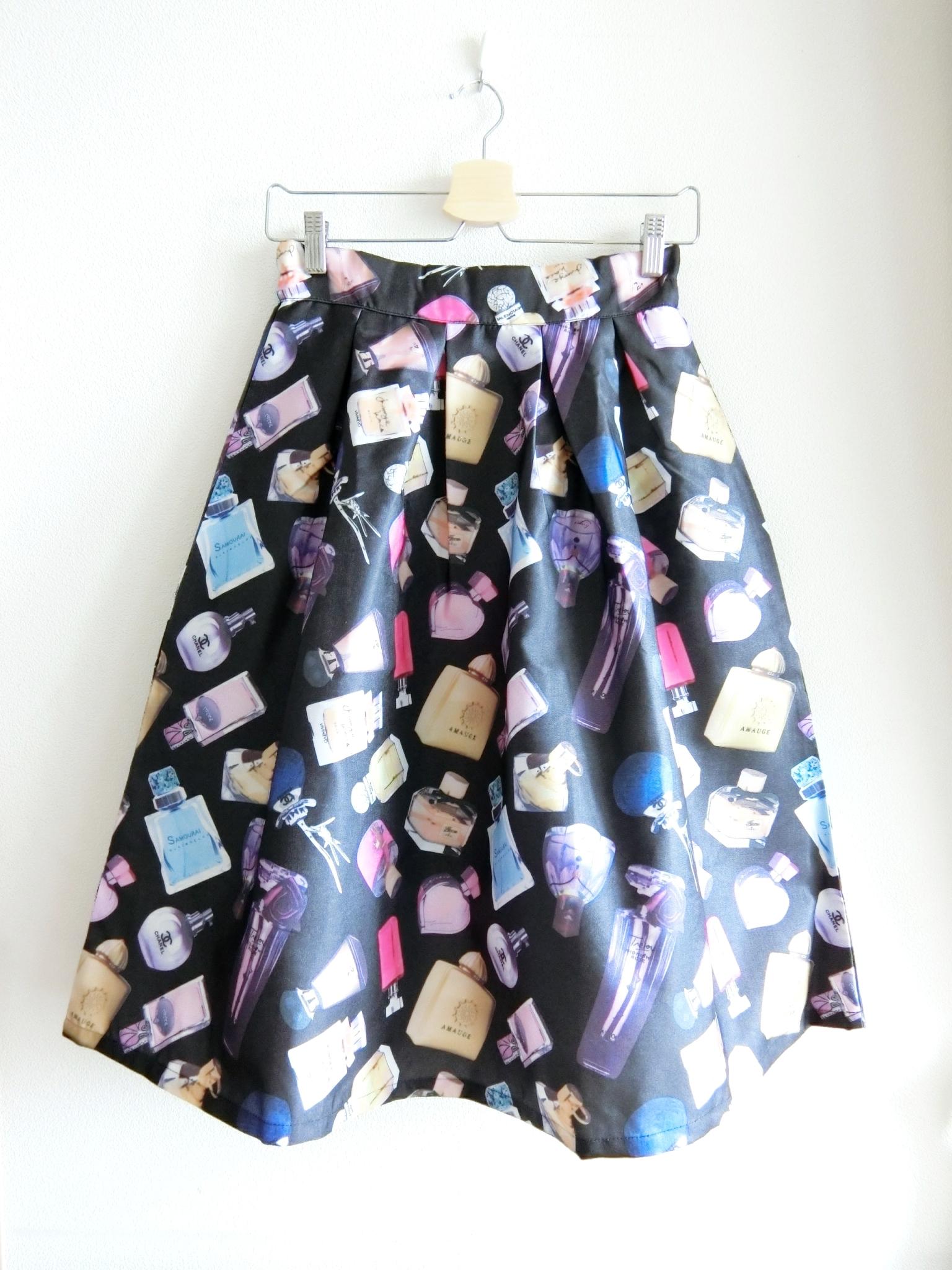 再再再入荷★香水瓶いっぱい♡パフューム柄スカート