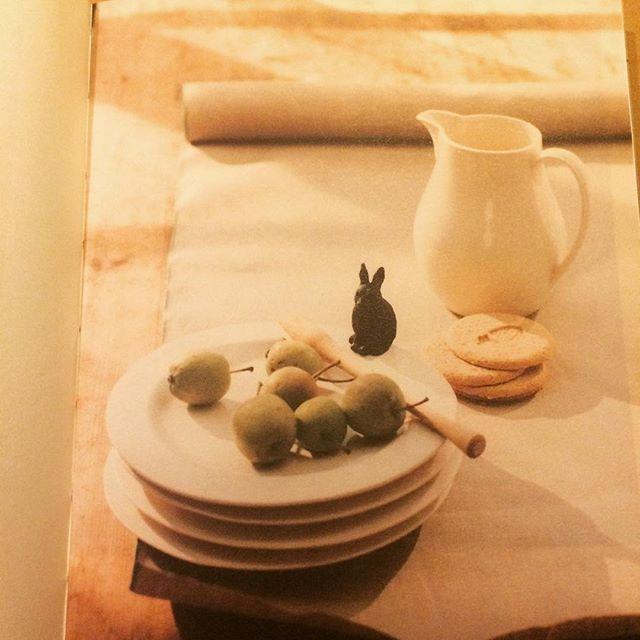 インテリアの本「ユーカリ This is a book. She is an interior stylist.」 - 画像2
