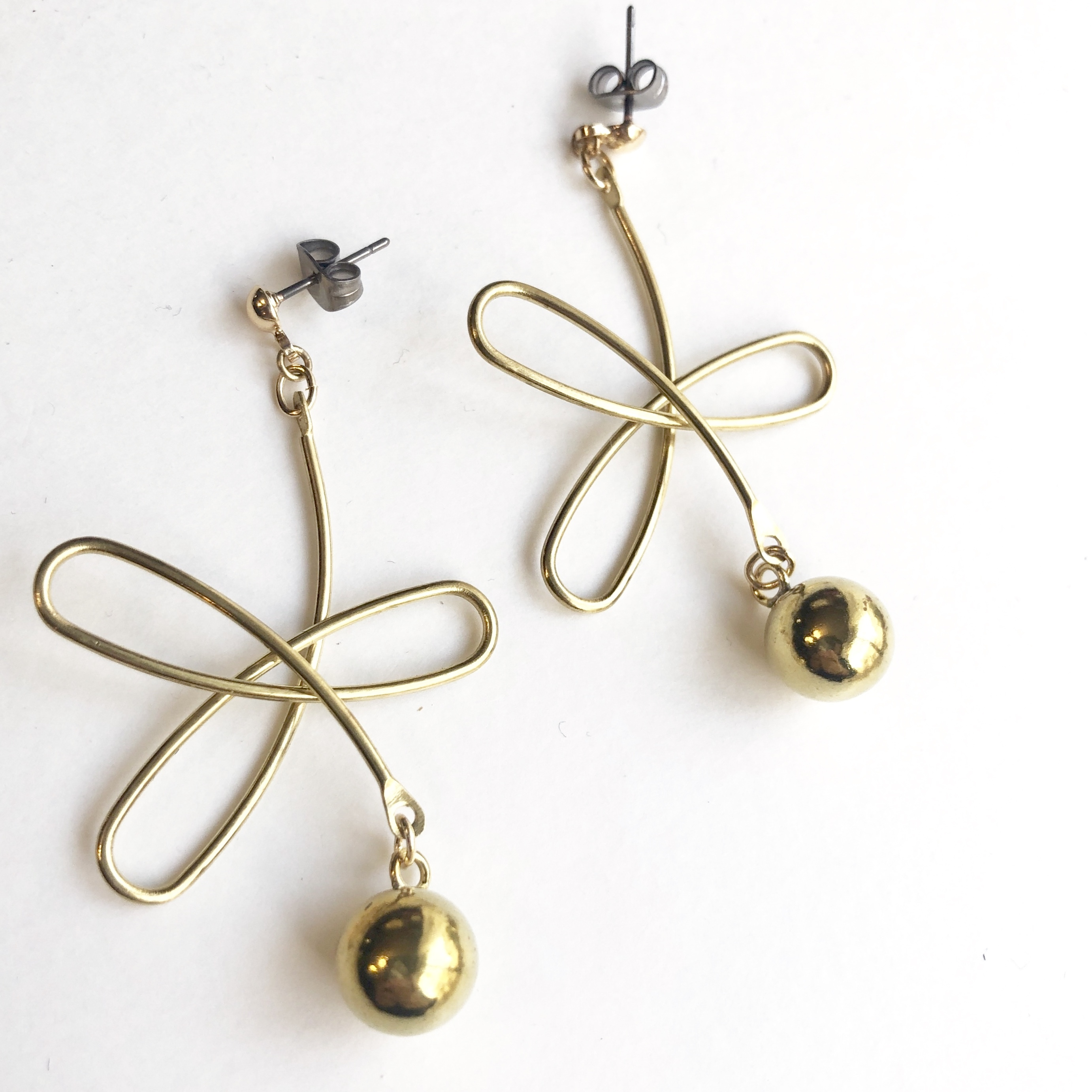Wire flower earrings B-013