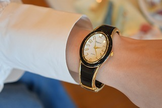 腕時計バングル