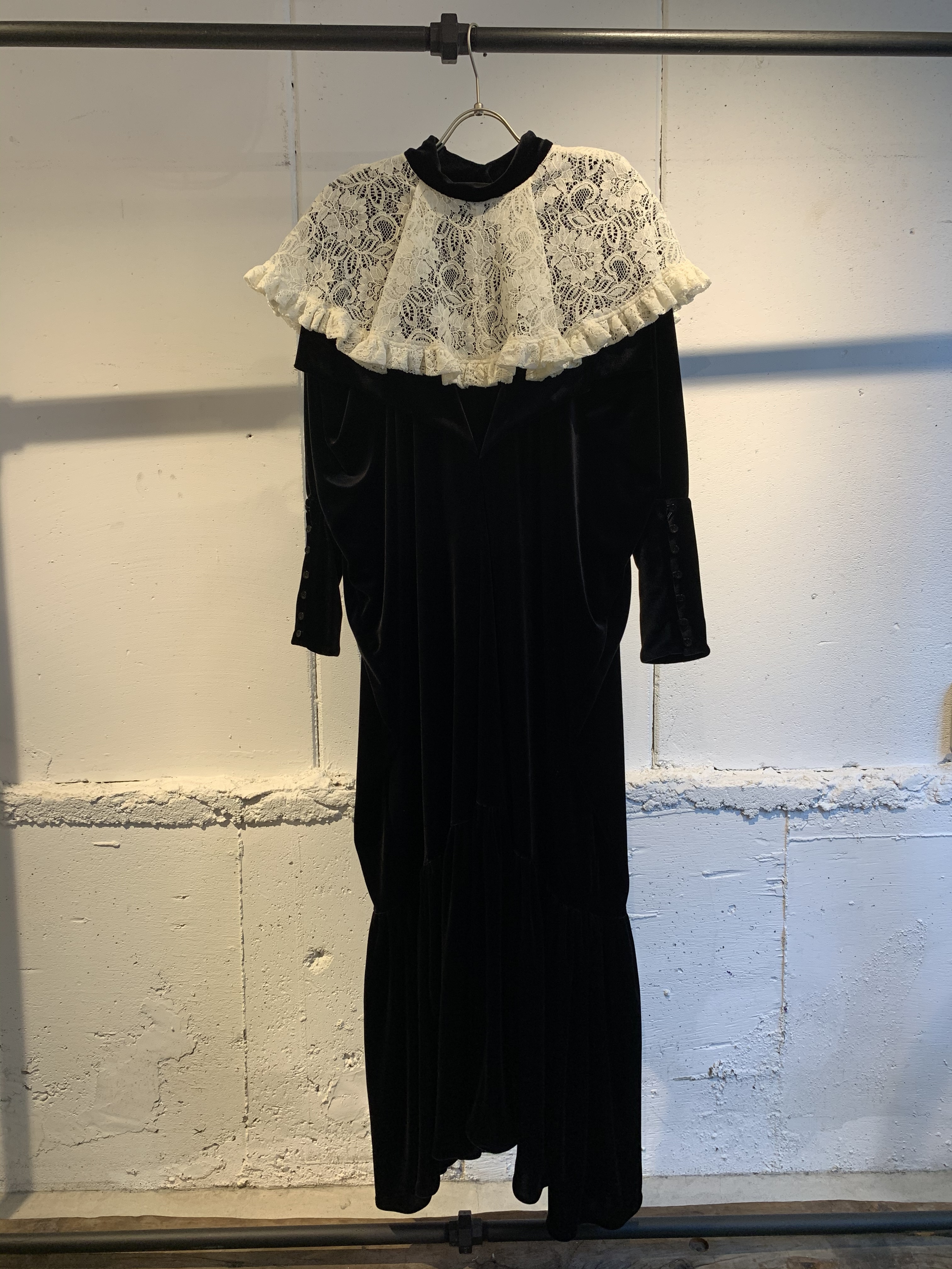 DECO depuis 1985   velvet big collar dress