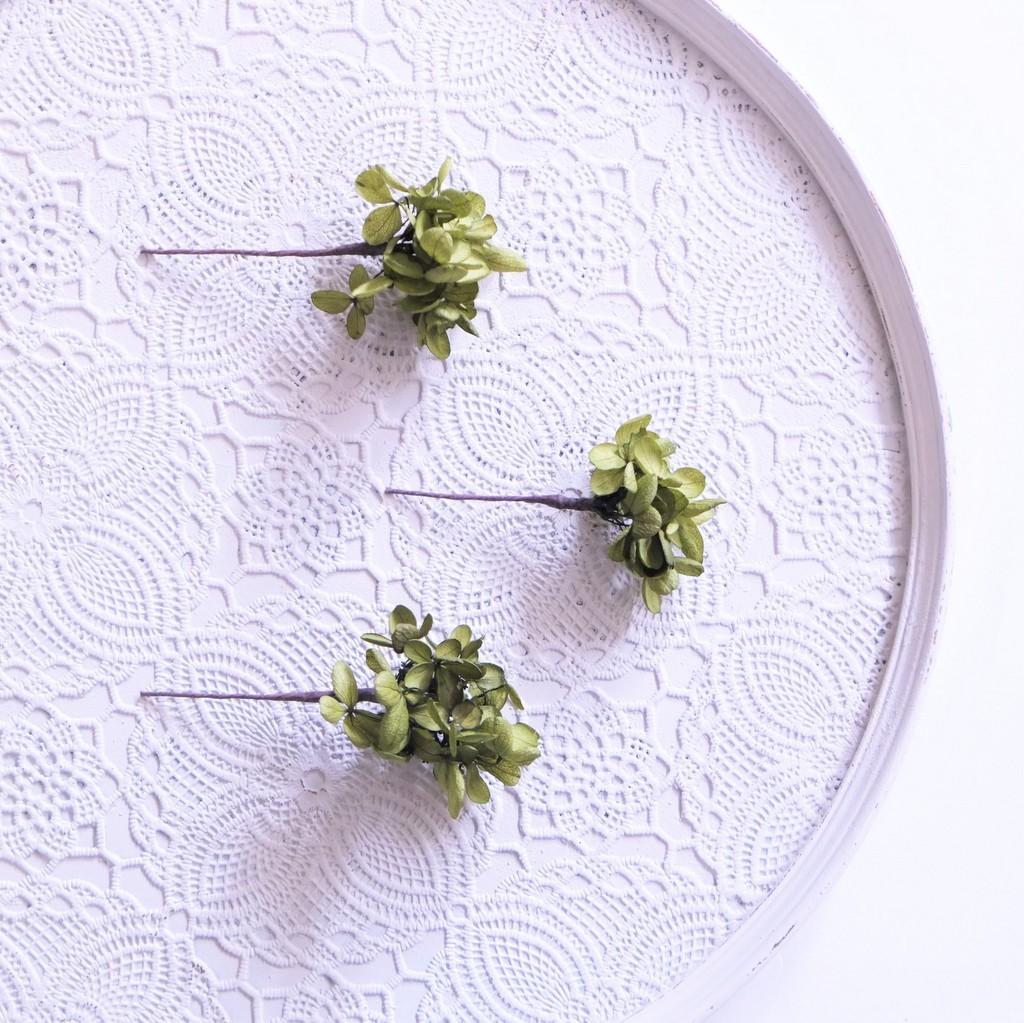 〖 バジルグリーン・ピラミッドアジサイのヘッドドレスパーツ3本 〗お好きなプリザ花材をカスタムメイドでお作り致します