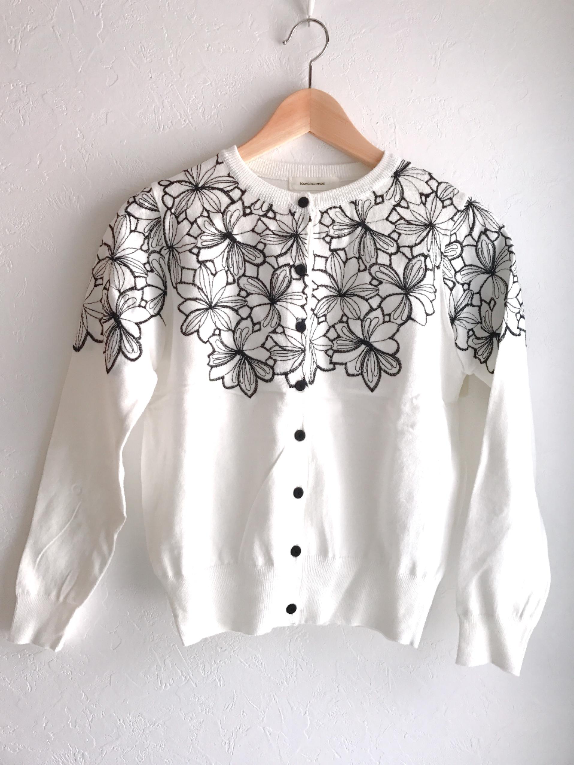 お花刺繍の大人カーディガン ホワイト