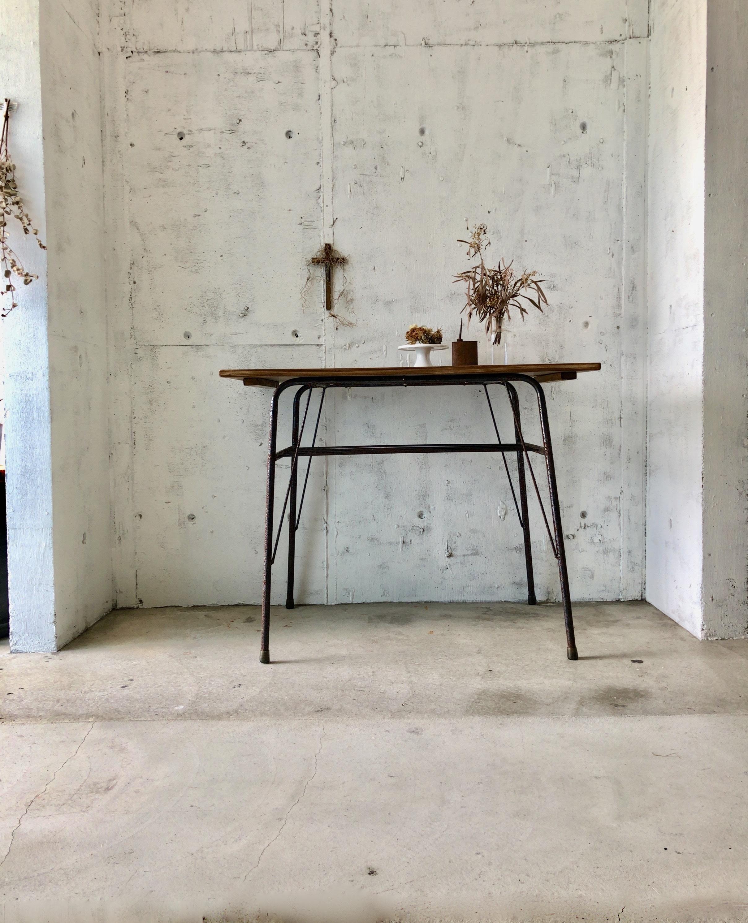 木味×サビ脚のテーブル[古家具]