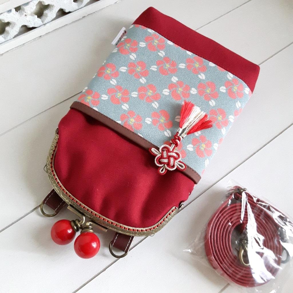 がま口スマホポシェット 赤×メタルグレー(内側赤小花)