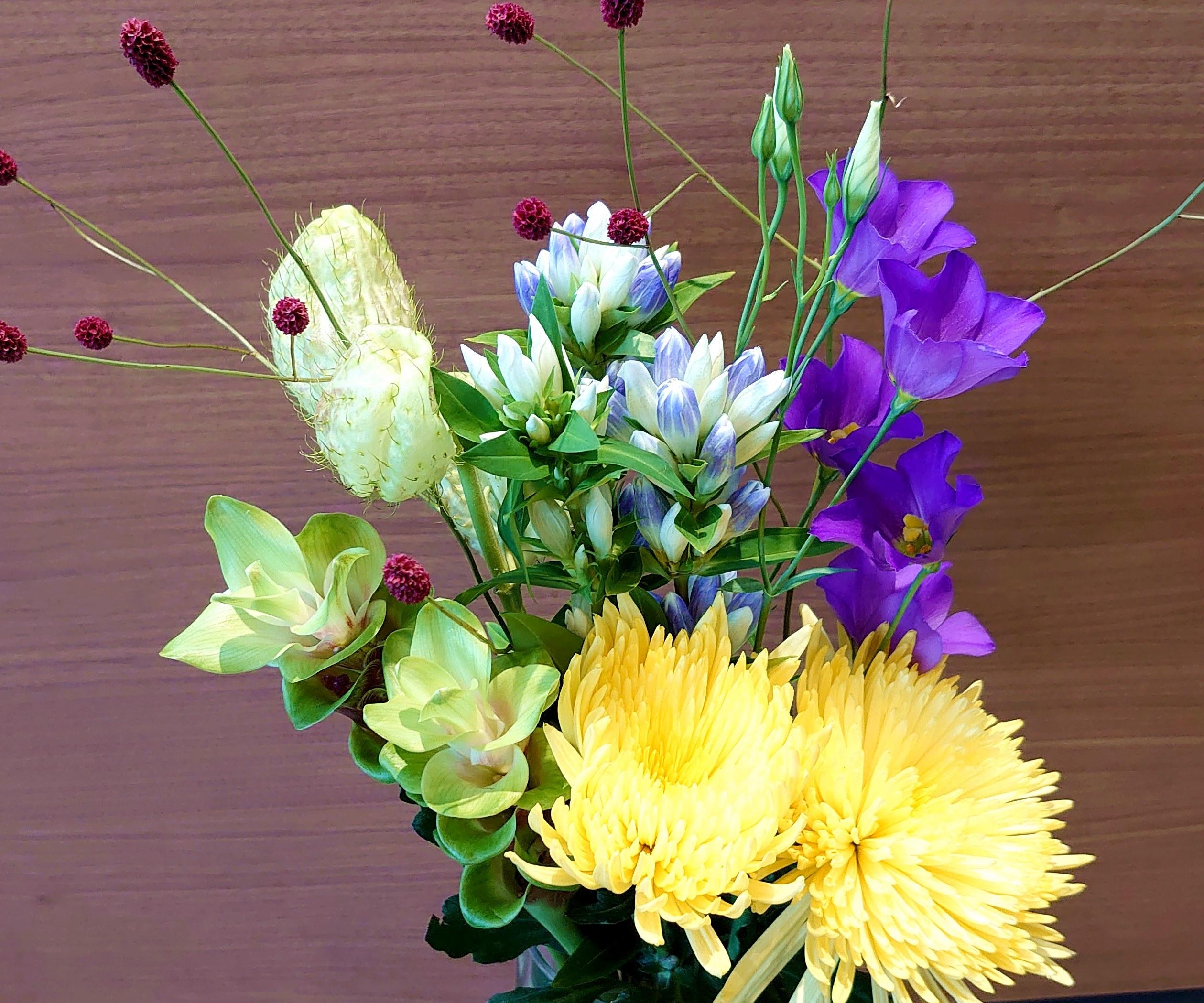 9月9日は『重陽の節句』長寿を願って 菊を飾ろう。 花瓶用ブーケNO,2 送料無料