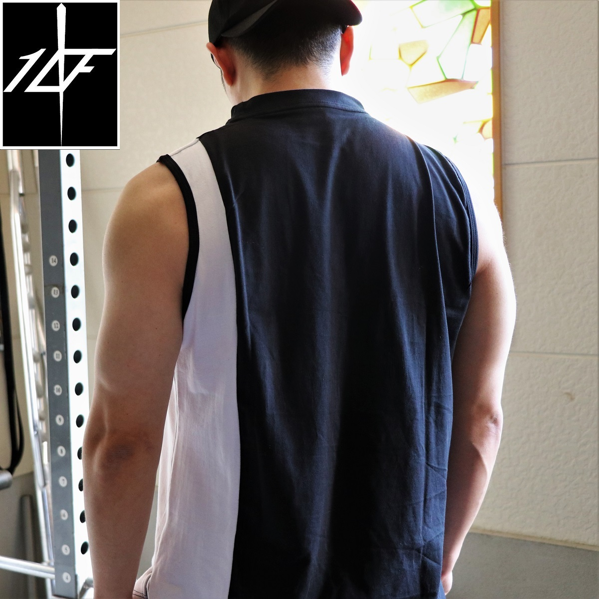 10FIT タンクトップ トレーニング 筋トレ ボディビル メンズ TT-25 黒白