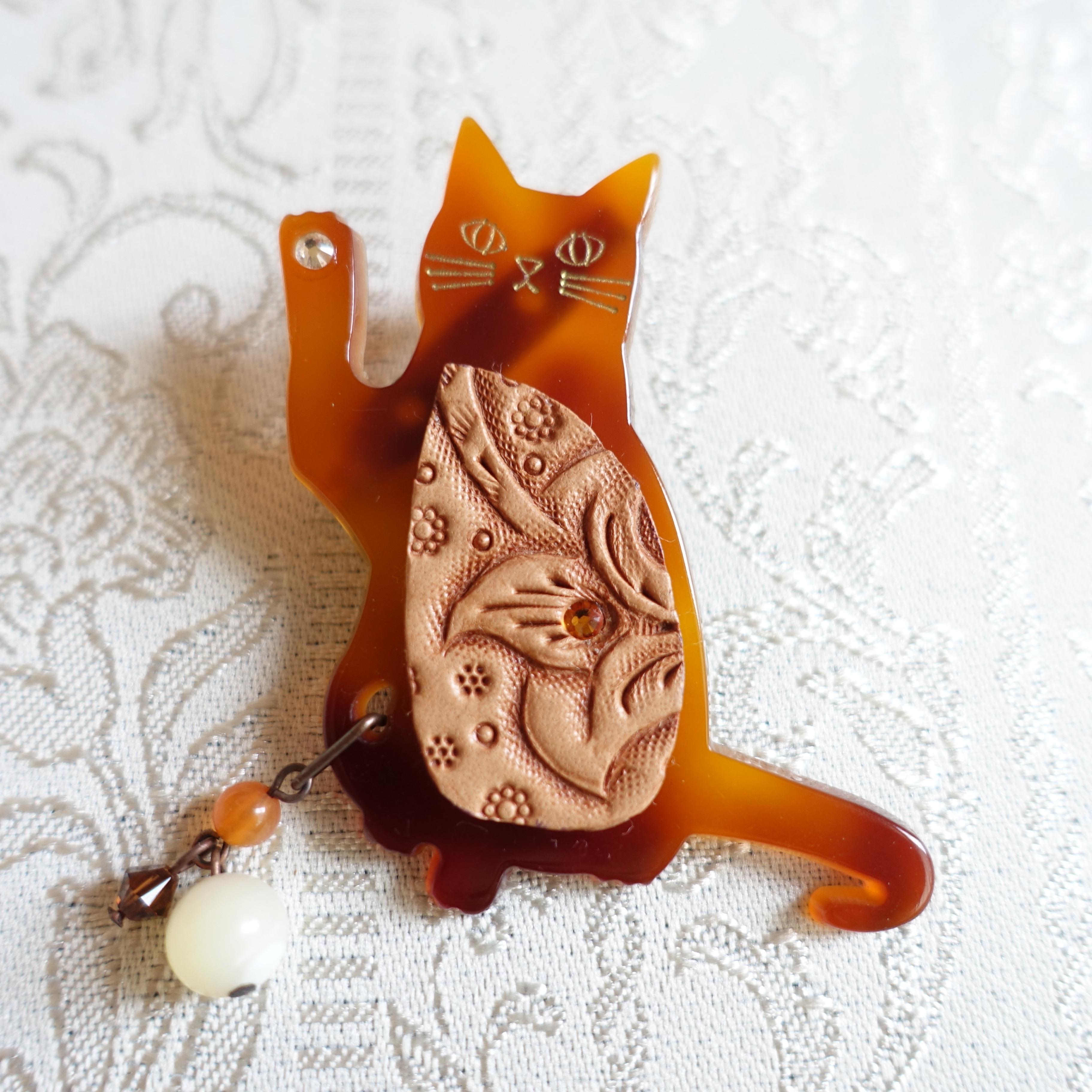SALE! ネコ好きさんのブローチ(送料無料)