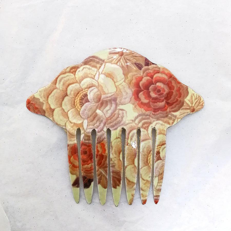 FE-Pn-A_PurezaBeige ペイネタA マントン刺繍柄・ベージュ系  スペイン製