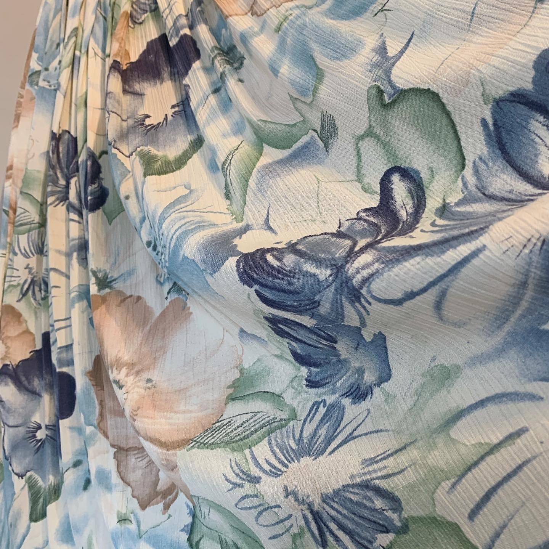 vintage Euro flower design skirt