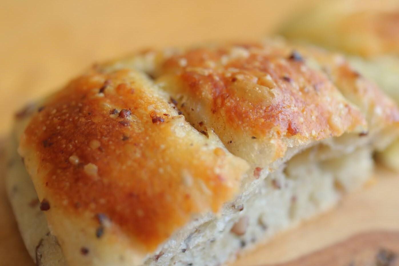 もちもち雑穀パン(ビーガン対応商品)