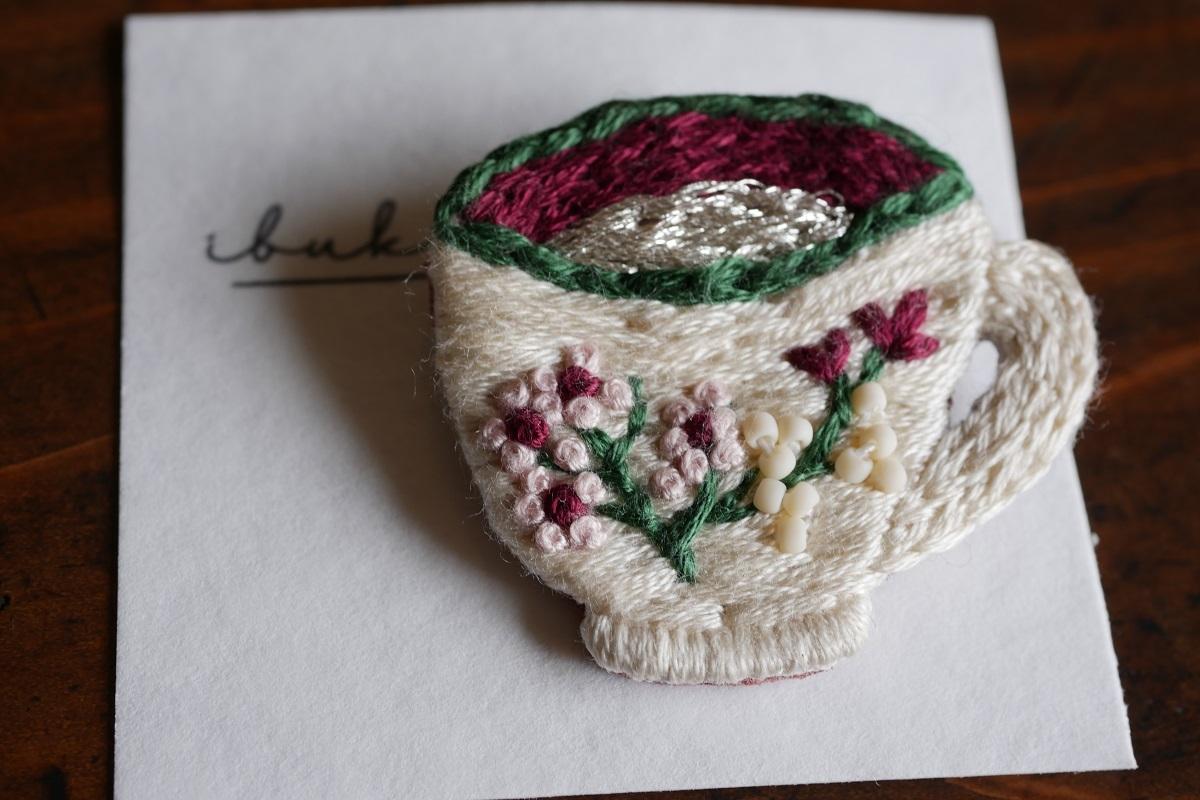 IBUKIya 刺繍ブローチ「ティーカップ」ib-08