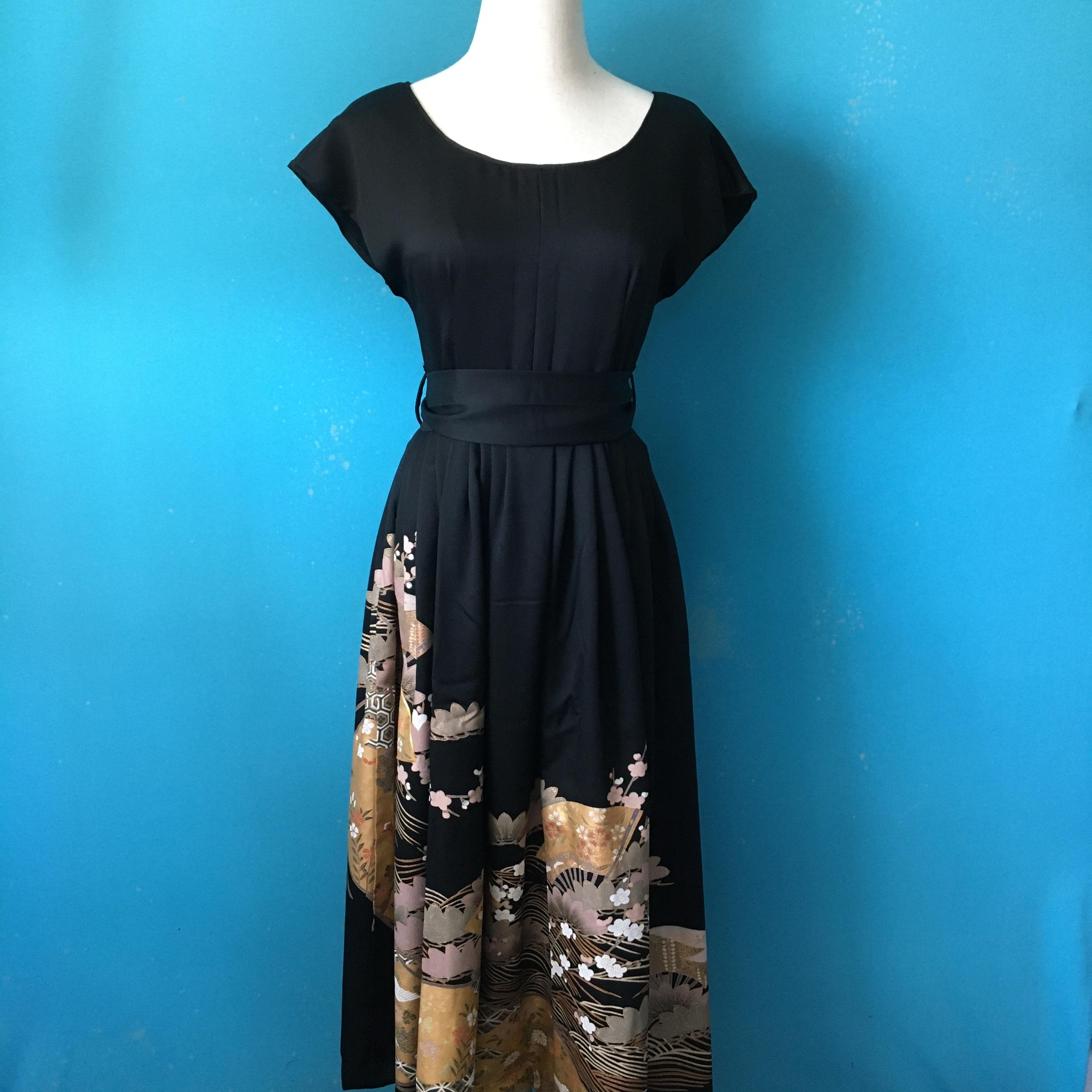 Vintage black kimono dress/ US 6, french sleeve
