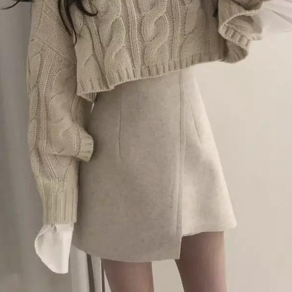 クロスデザインスカート
