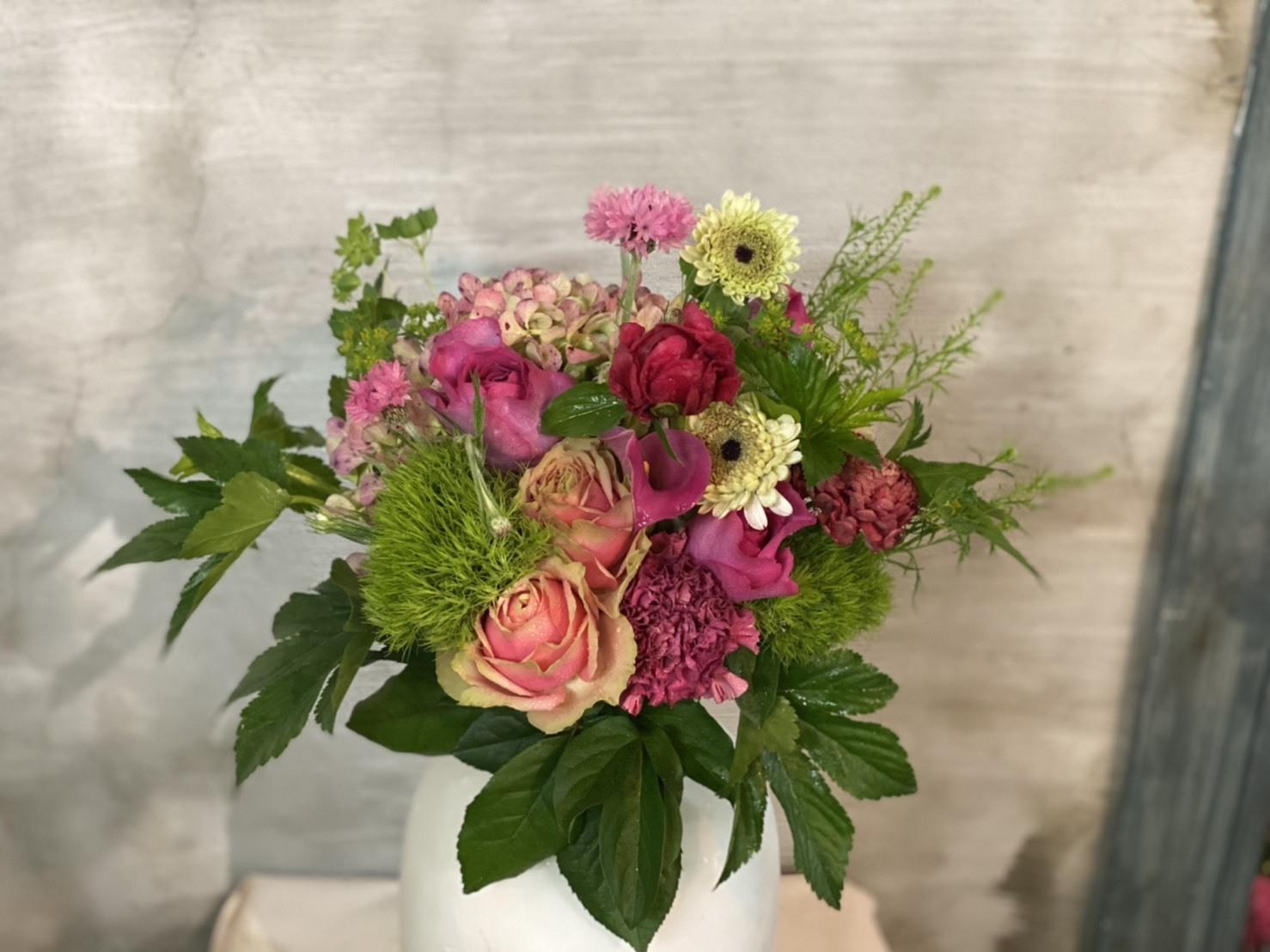【母の日ギフト】おまかせ紫陽花と薔薇ブーケ
