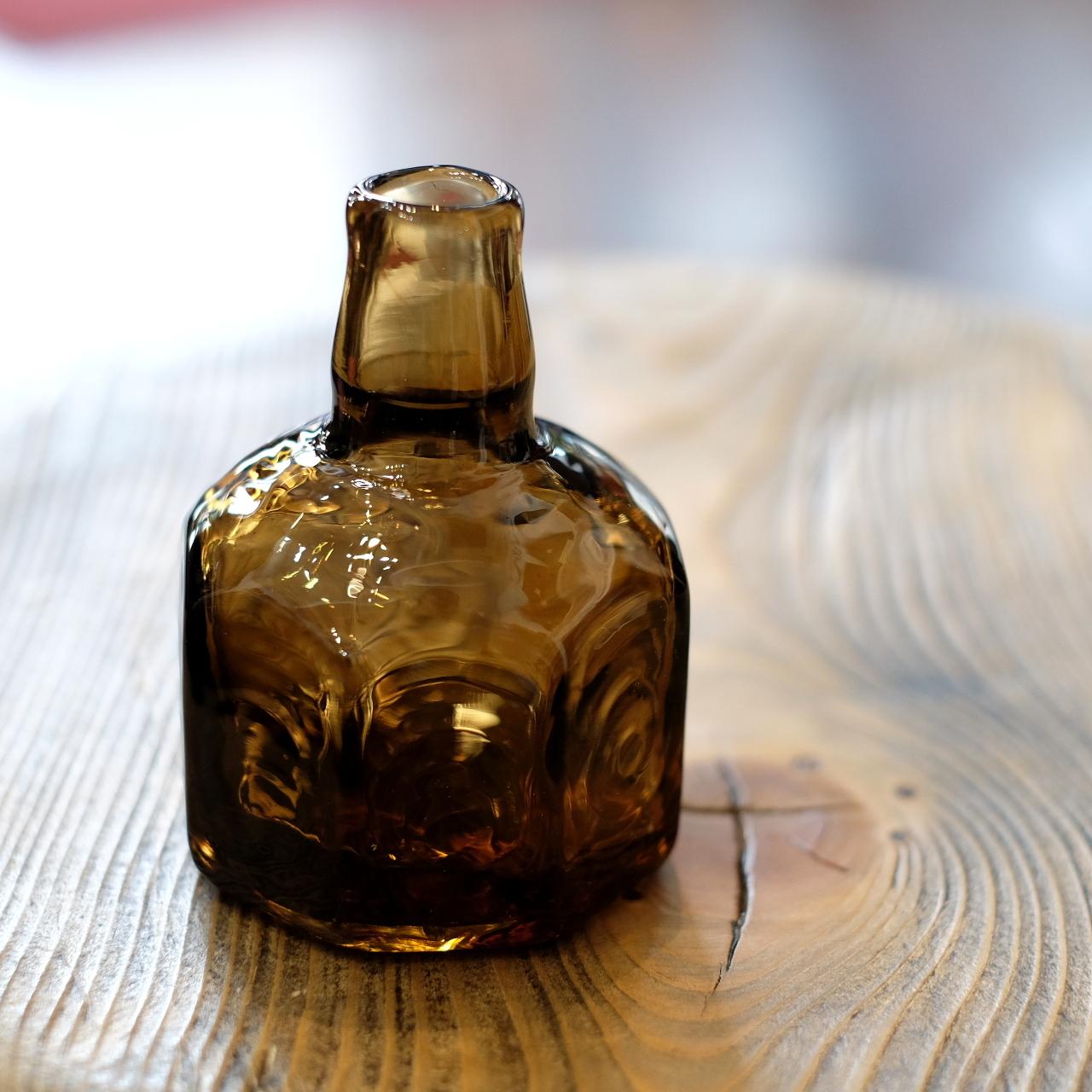 石川硝子工藝舎 八角小瓶(茶色) 石川昌浩