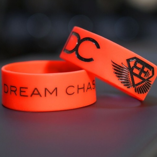 BODY ENGINEERS Dream Chaser Bracelet –red