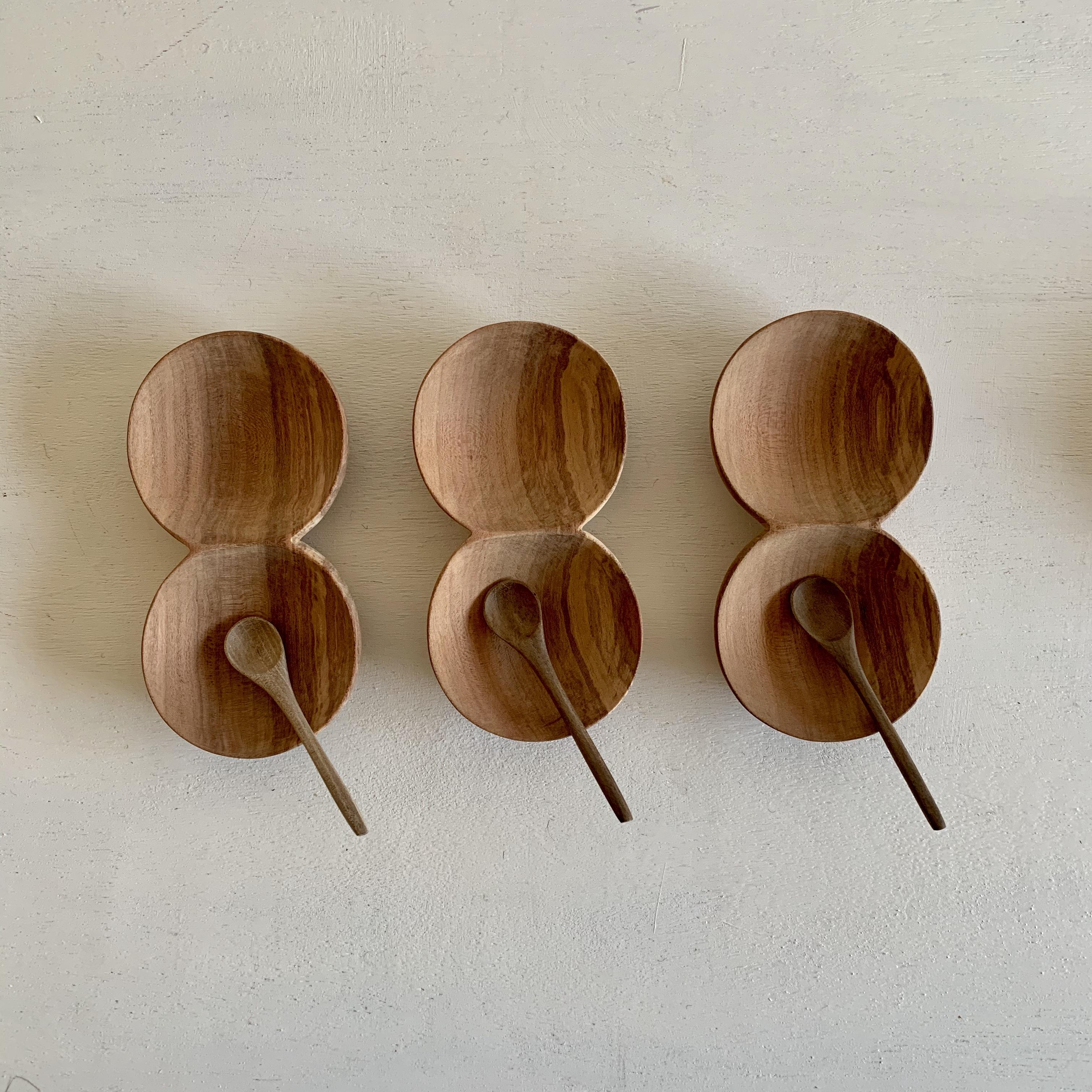 アプリコットの木の二連豆皿と小さなスプーン