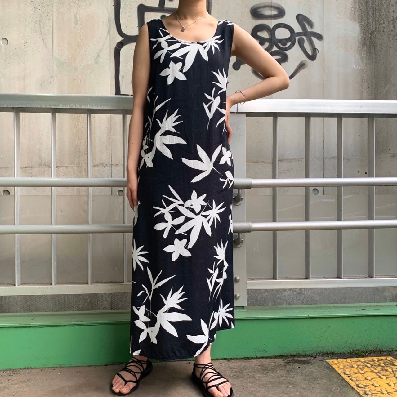 """""""NICE DAY"""" Euro  vintage sleeve less onepiece"""