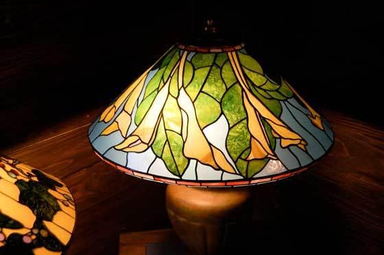 カラリリィ(ティファニーランプ)(ステンドグラスのテーブルランプ) 01040006