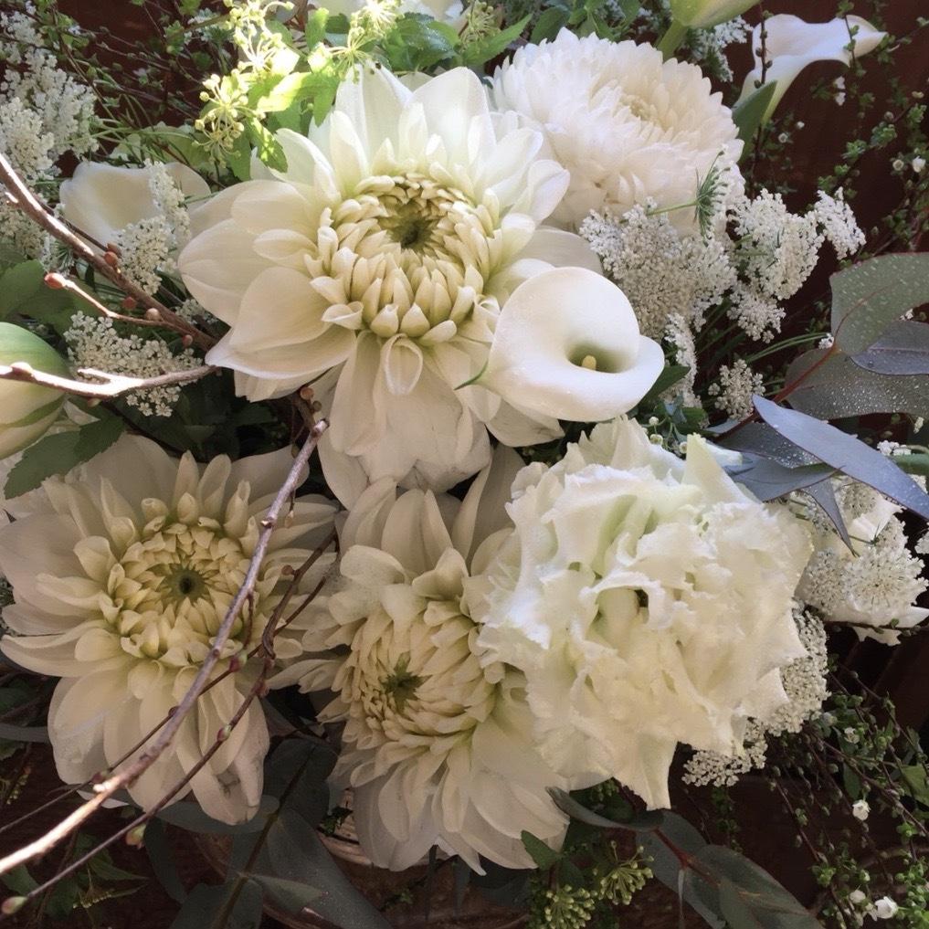 Fleurs blanches< grand >( 白の花束 / アレンジメント <大きいサイズ>)