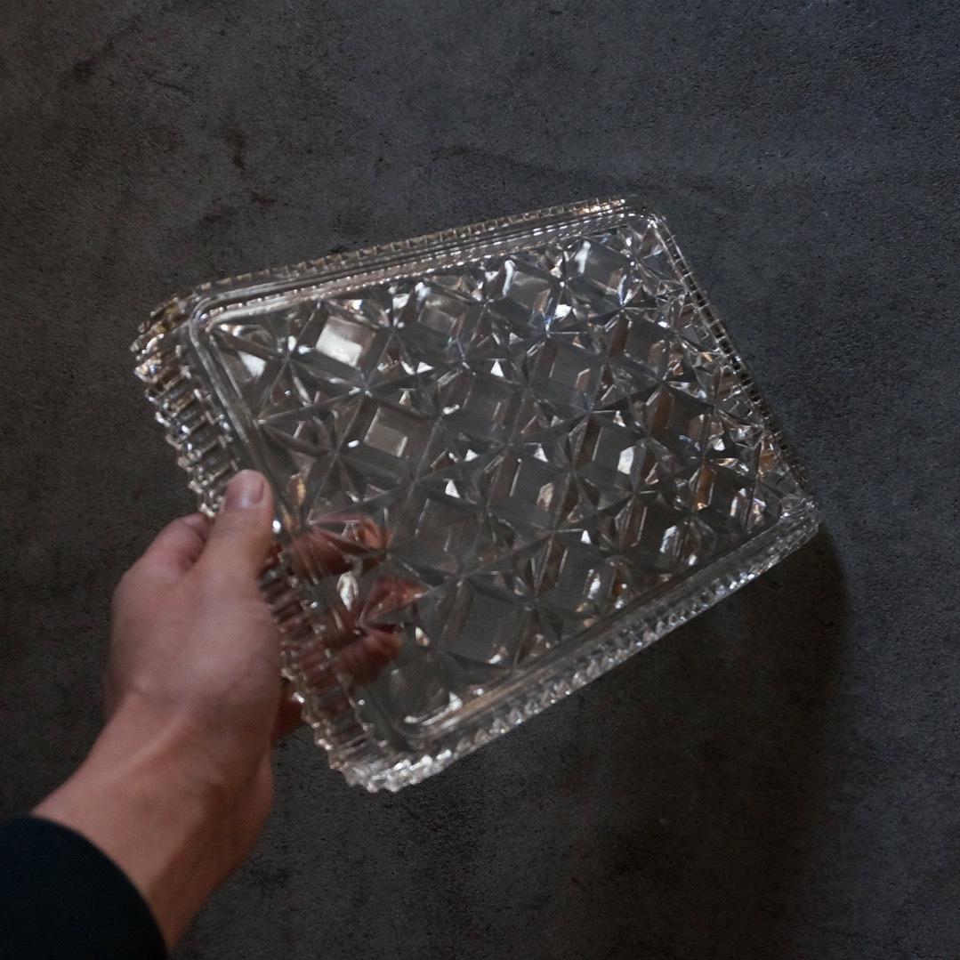 古い英国のガラストレー