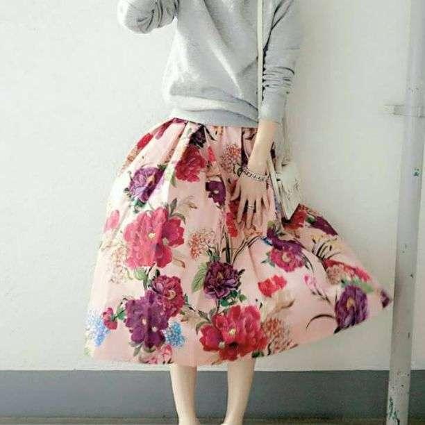 【15%OFF】c[V18]♡春夏 トレンド商品♡大胆な花柄がオシャレ! フローラル ミディ丈 スカート