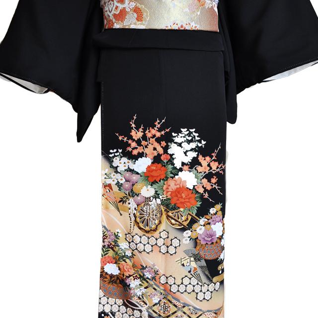 黒留袖レンタル■正絹御所車に赤白の牡丹に菊や桜がにぎやかに■L寸kurot3[往復送料無料] - 画像1