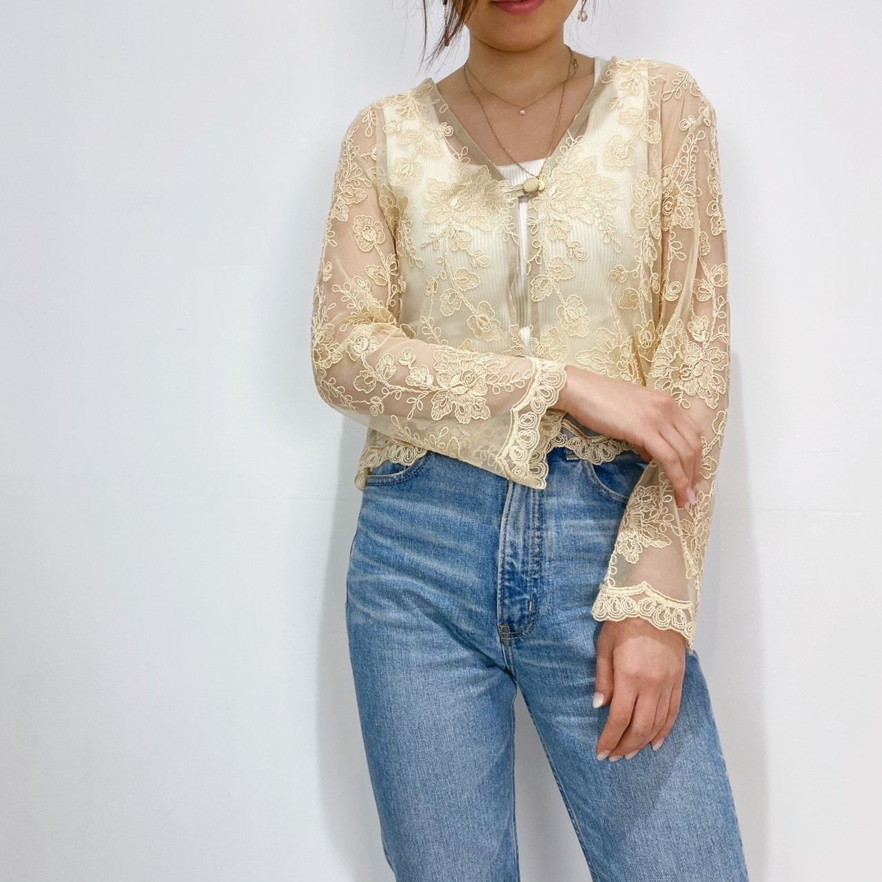 ◼︎90s silk blend lace blouse from U.S.A.◼︎