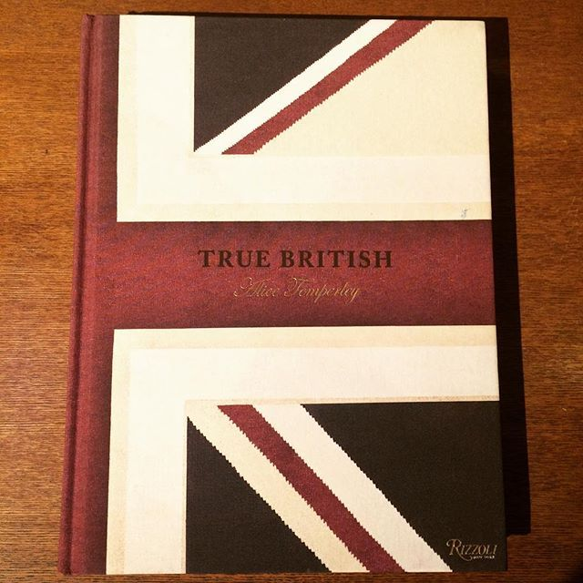 ファッションの本「True British/Alice Temperley」 - 画像1