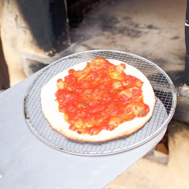 石窯ピザセット「自家製ベーコンとキノコのアヒージョ」・「燻製塩サバ」