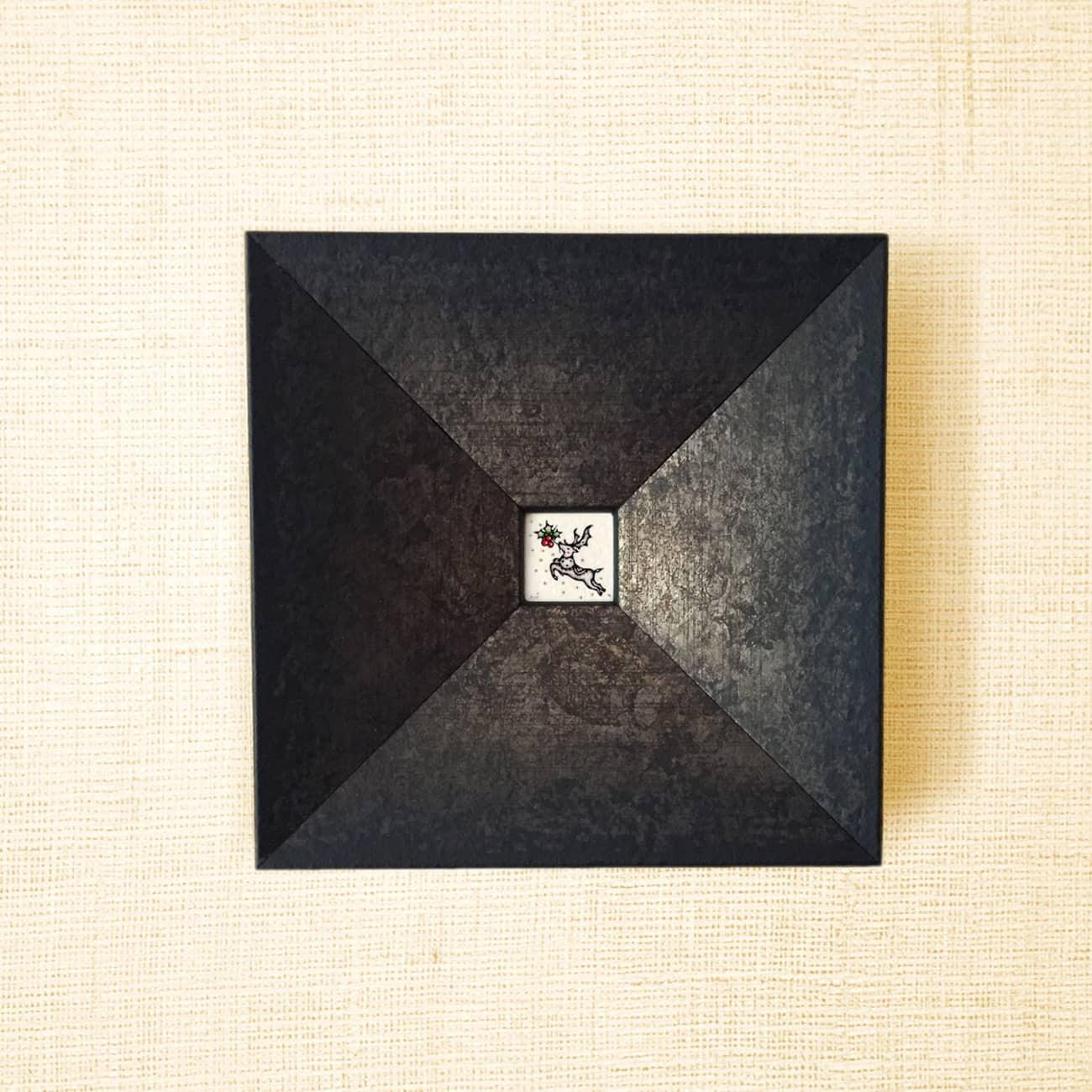 ミニ額縁 原画【 白銀の世界に、紅を点す 】ブラックxゴールド・ブラックxシルバー
