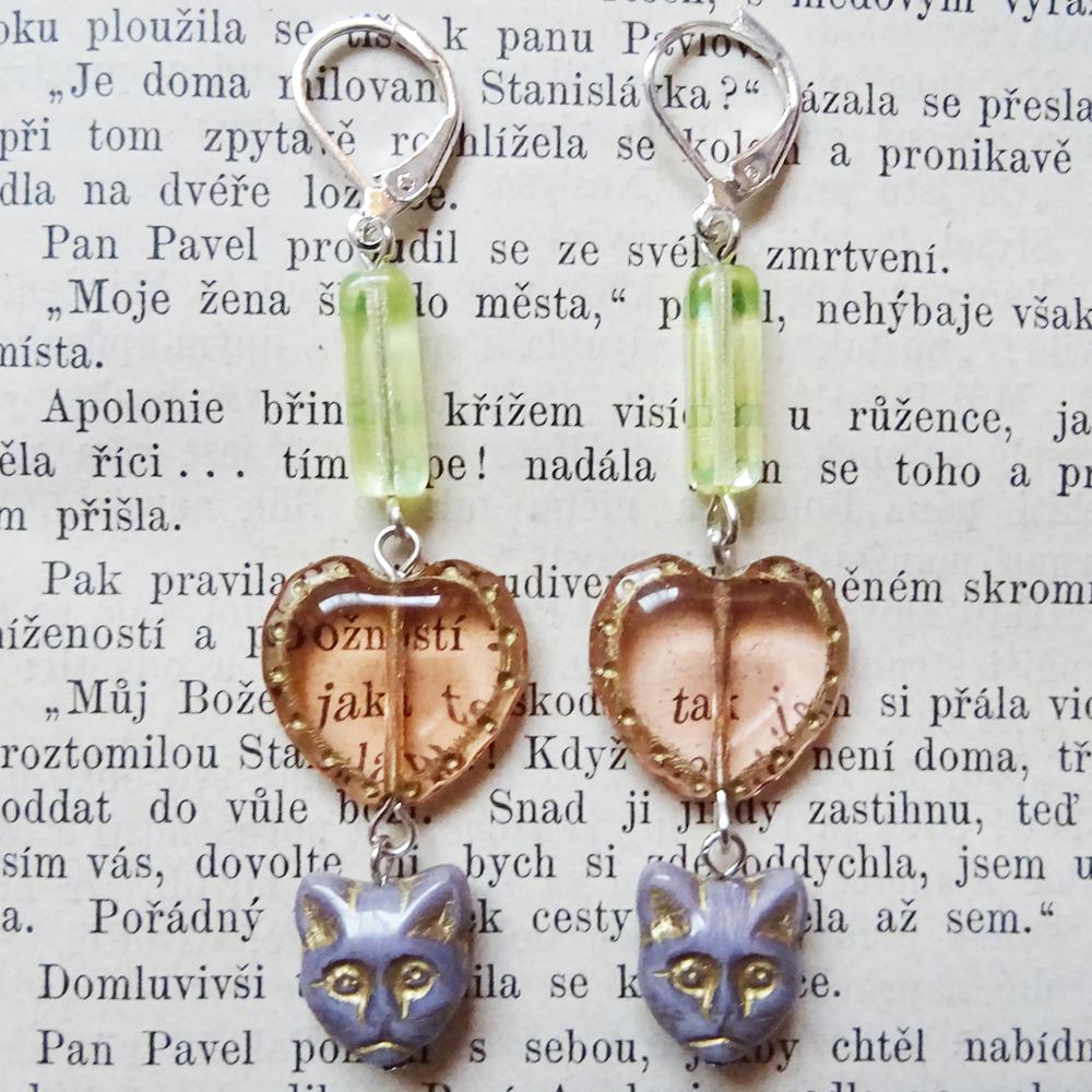 チェコ I LOVE CAT ピアス / ラベンダー猫 x ベビーピンクハート