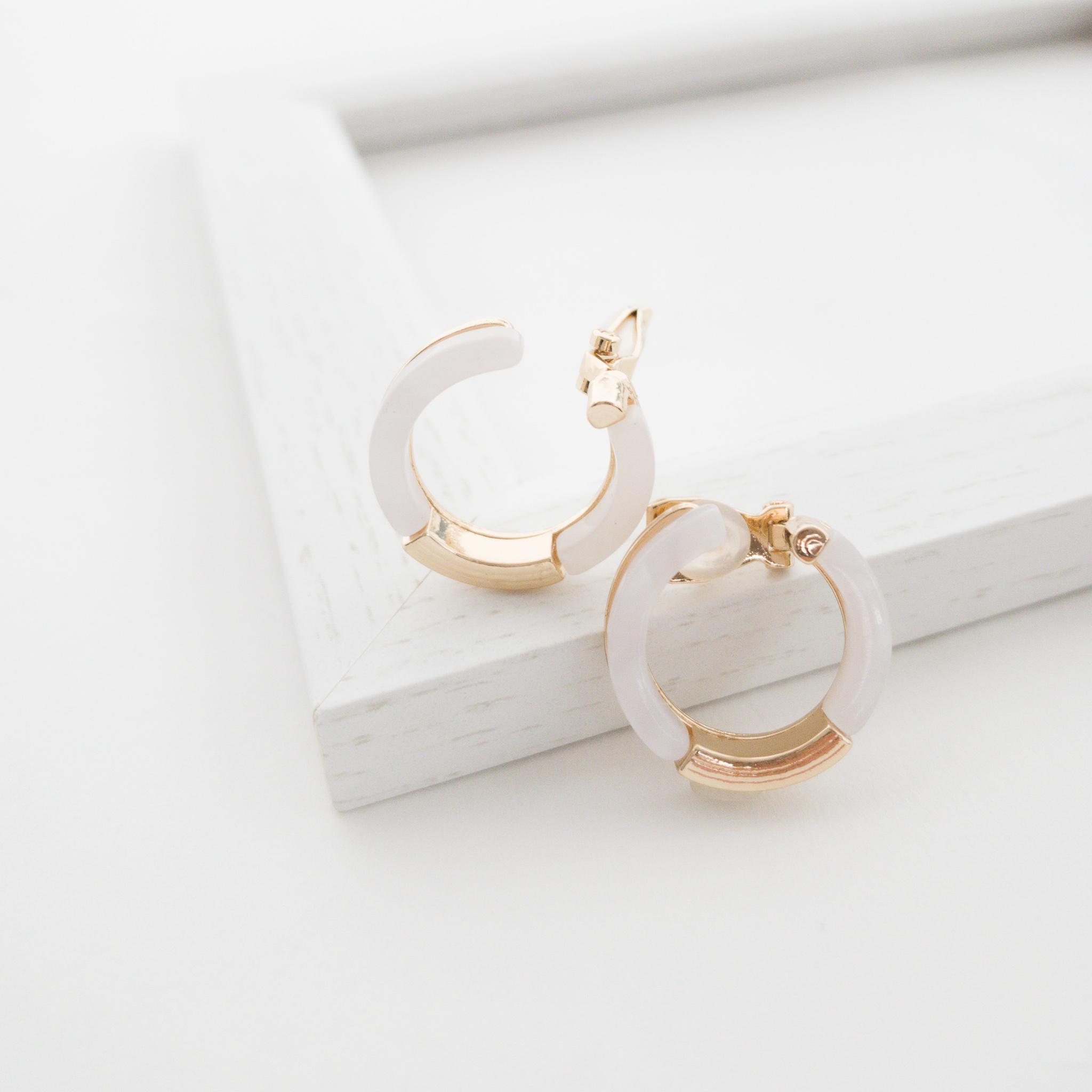 White Acrylic convolve earring