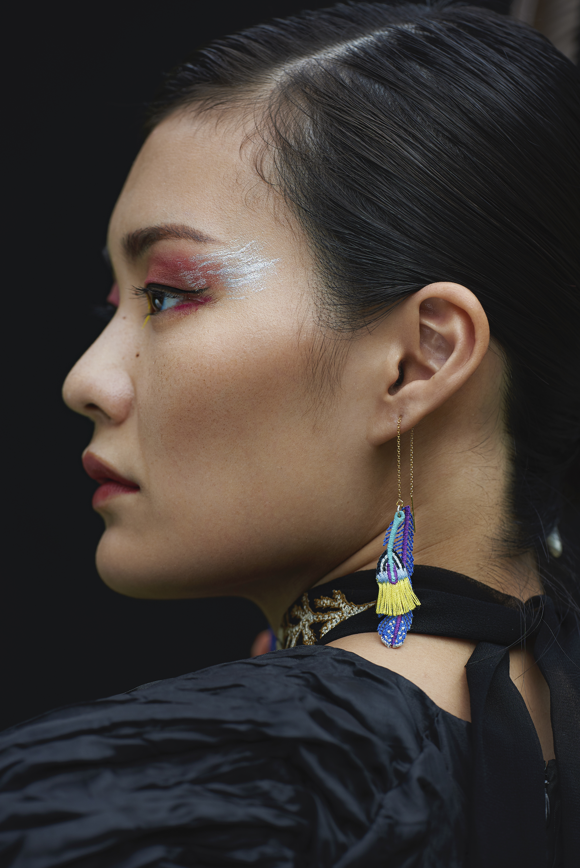 ARRO / Embroidery Earring / Plume / Blue