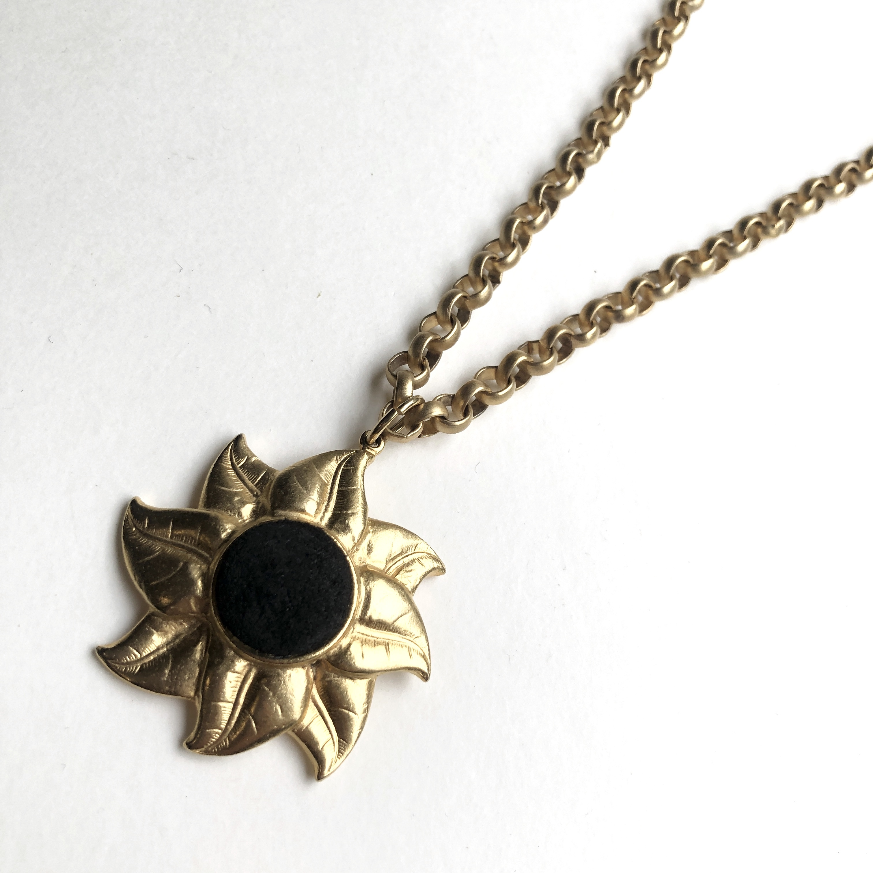 Sunny flower vintage Necklace NC-027x