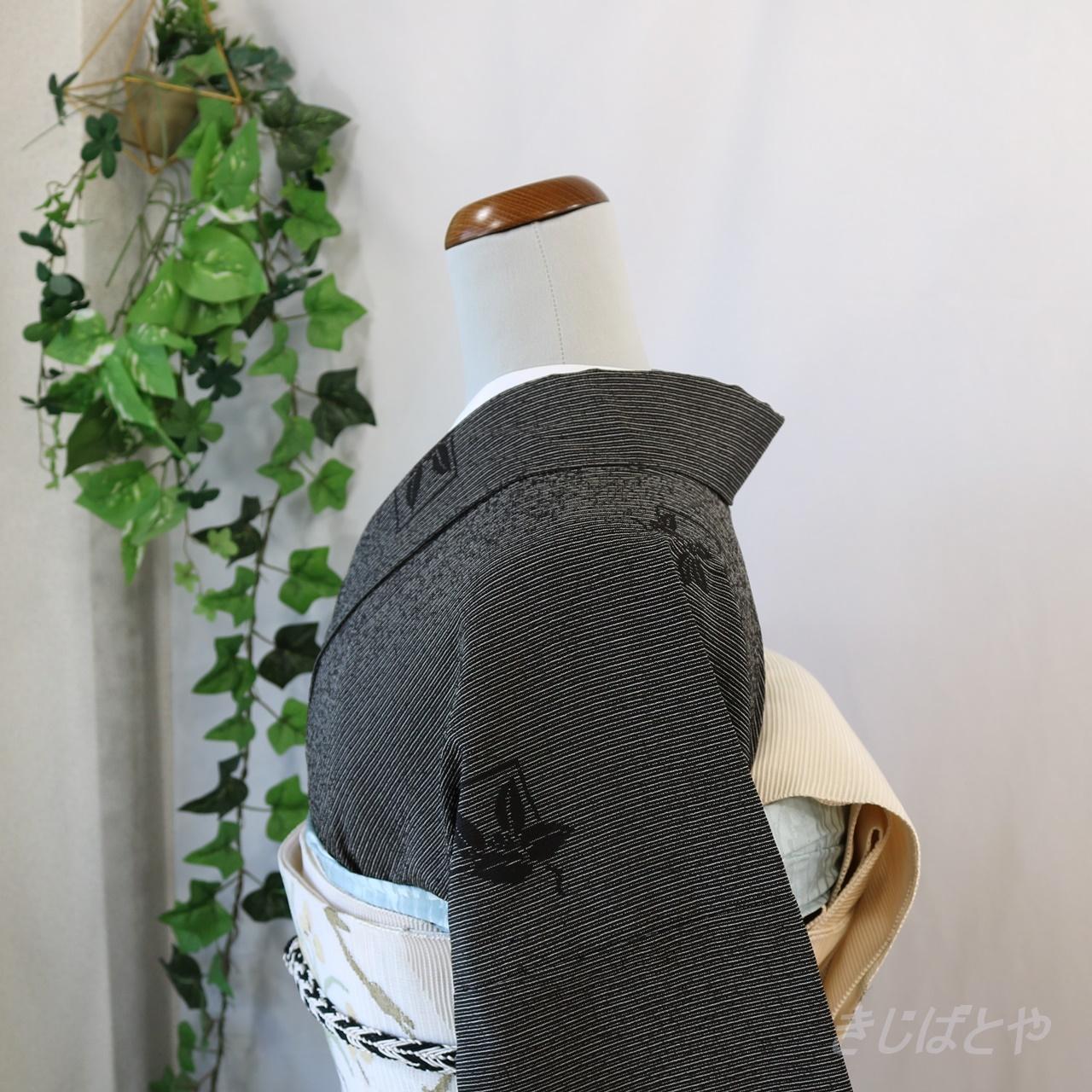 正絹 細縞に飛び柄のモノトーン小紋 単衣