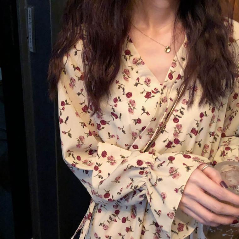 【送料無料】 春のレトロガーリー♡ 大人可愛い ヴィンテージ 花柄 カシュクール ロング ワンピース キャンデー袖
