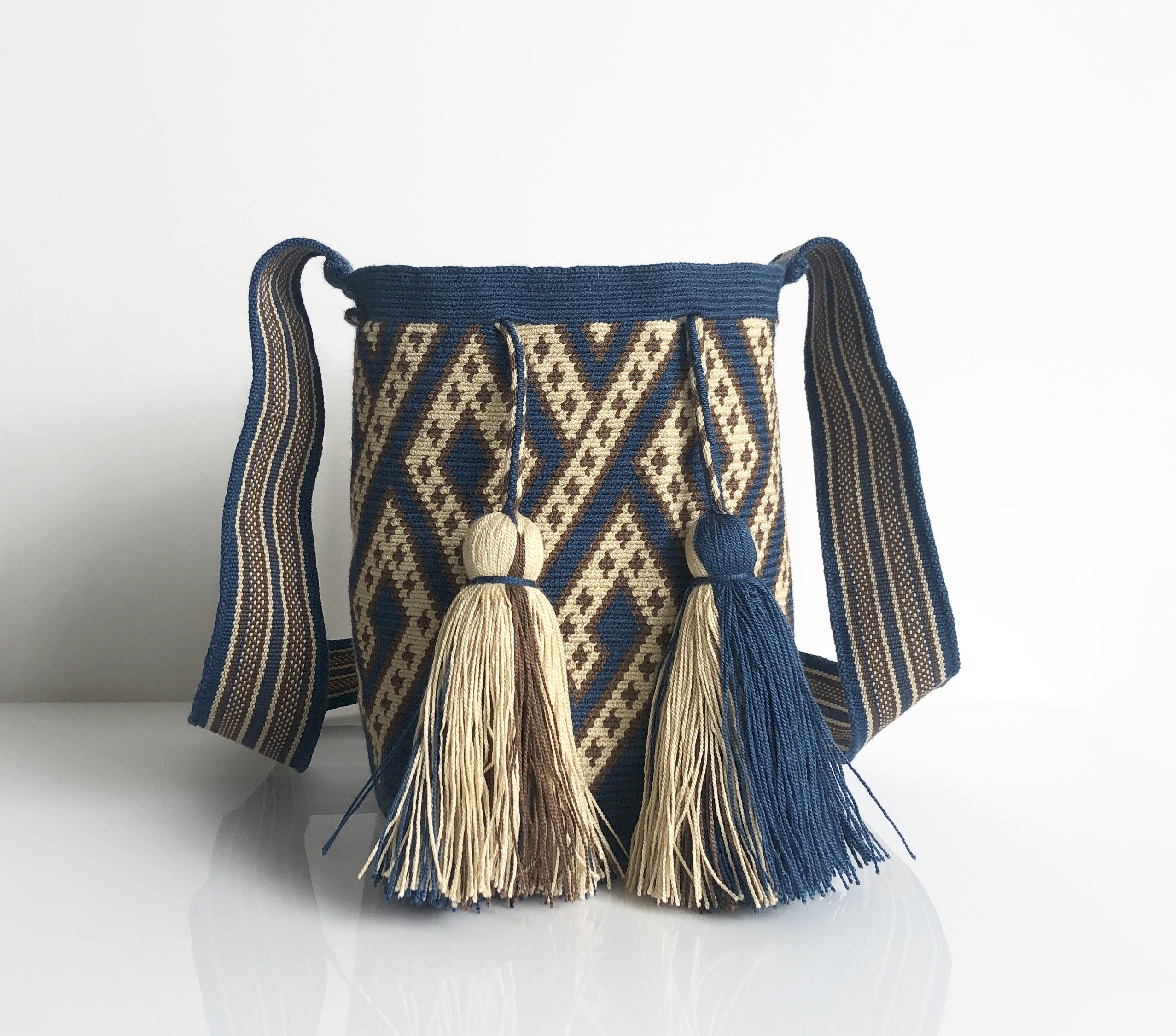 ワユーバッグ(Wayuu bag) Exclusive line Mサイズ