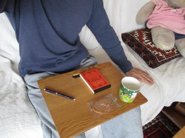 【木工部】ソファで、外で、持ち歩きに便利なひざテーブル②